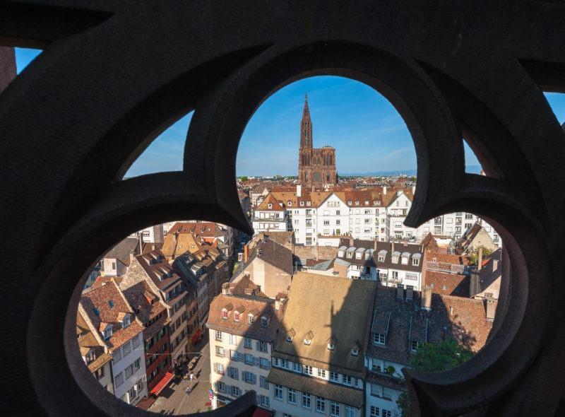 Cathédrale de Strasbourg depuis une tour de l'eglise St-Thomas