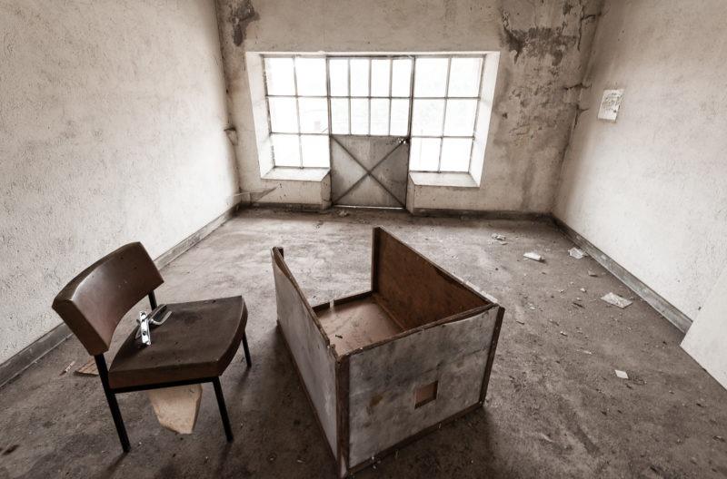 urbex - Hangar semi-abandonné