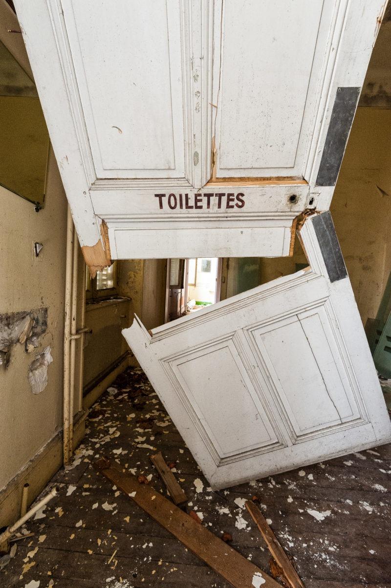 urbex - Si vous cherchez les toilettes