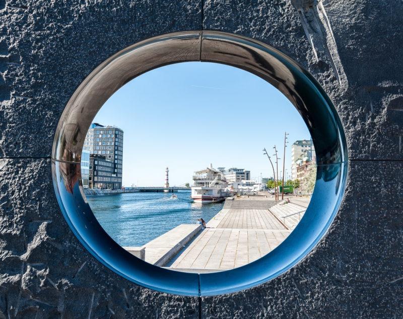 Vue sur phare de malmö en Suède