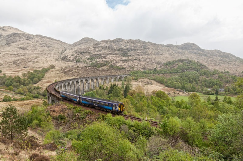 Viaduc de Glenfinnan (Glenfinnan Viaduc) - passage train